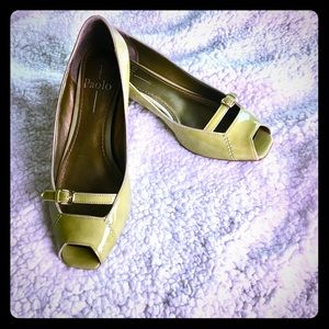 """Paolo 1"""" Kitten Heels in Patent Green 7M Exc Cond"""